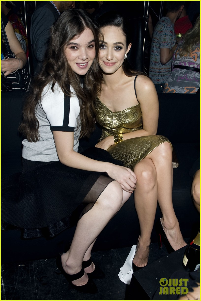emmy rossum hailee steinfeld dkny party 18