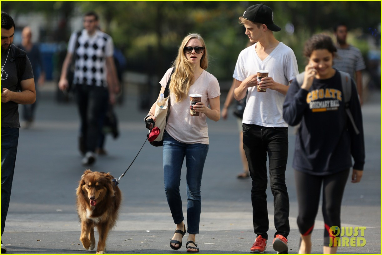 amanda seyfried immortality for her dog finn 032951319