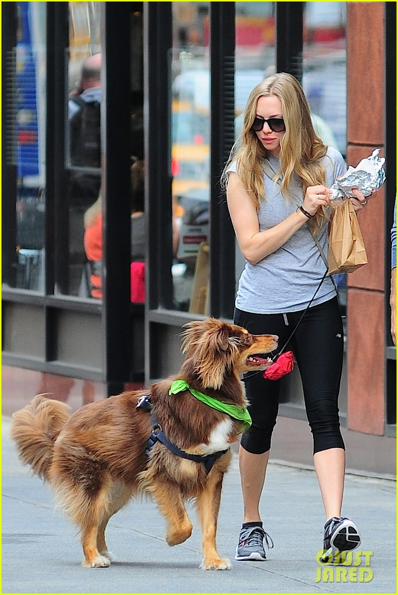 amanda seyfried immortality for her dog finn 052951321