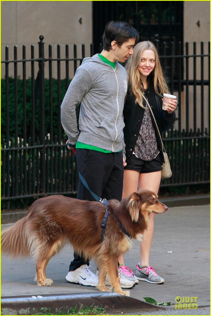 amanda seyfried flashes underwear while were young 212959527