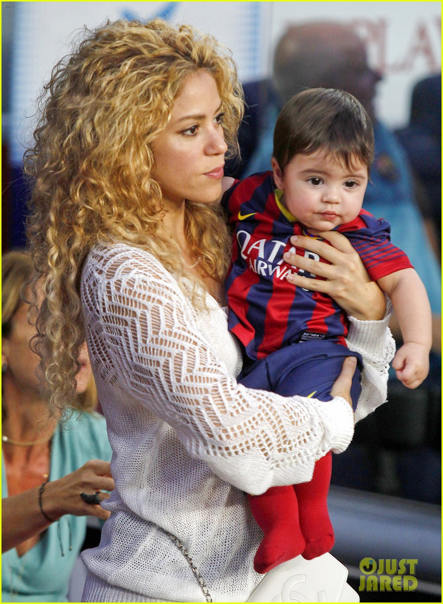shakira baby milan cheer on gerard pique 052952840