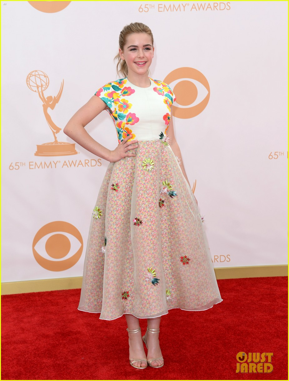 kiernan shipka morgan saylor emmys 2013 red carpet 032957917