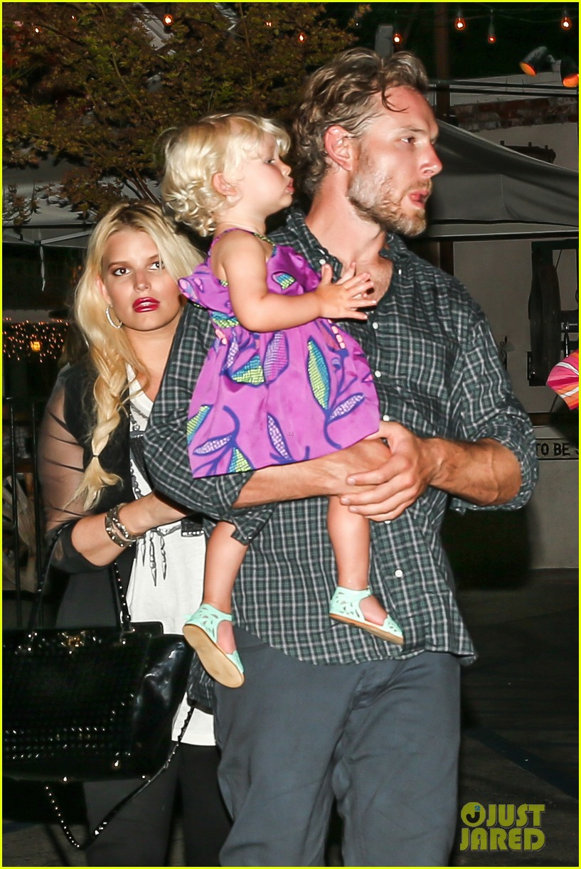 jessica simpson enjoys labor day weekend with family 17