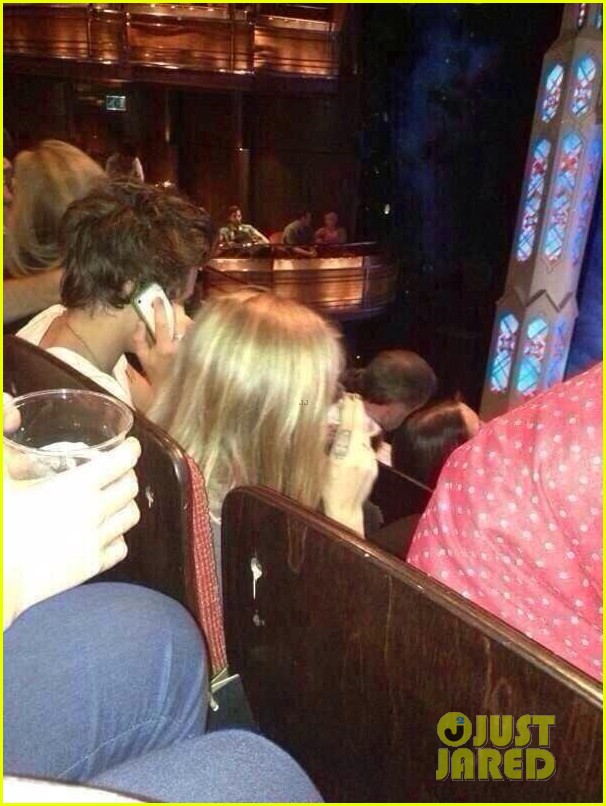harry styles cara delevingne book of mormon date 02