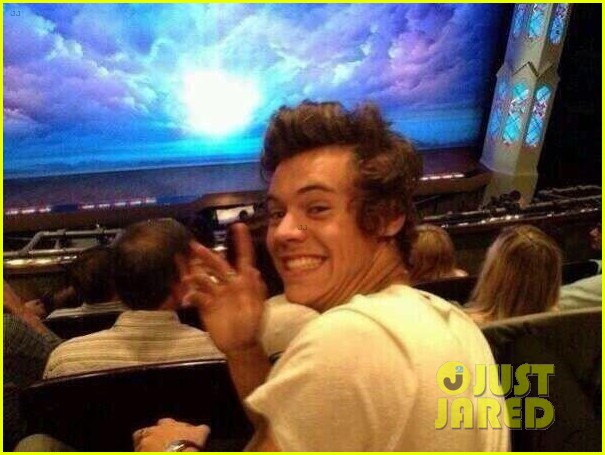 harry styles cara delevingne book of mormon date 04