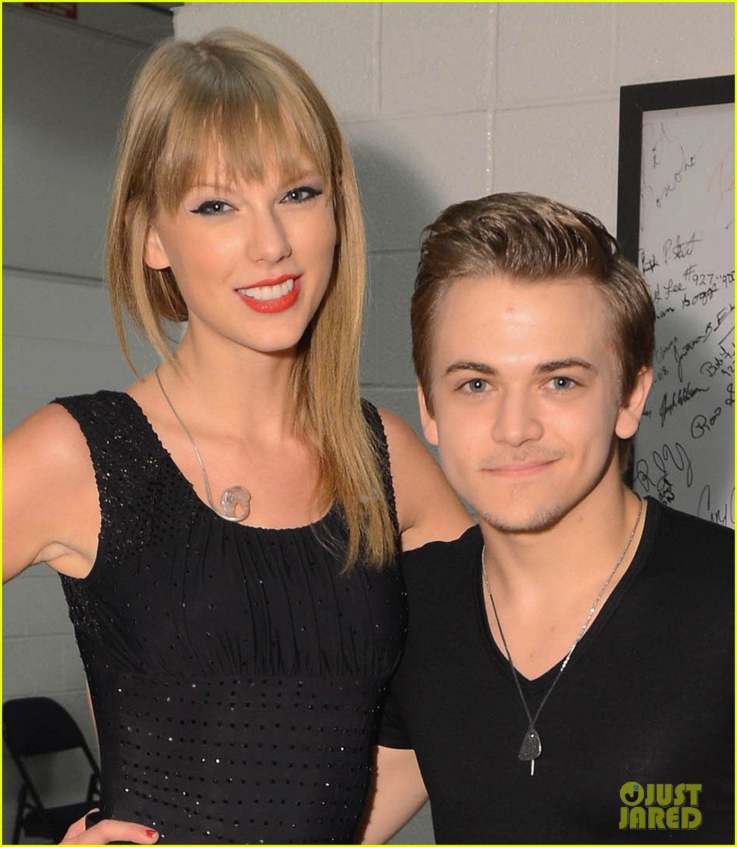 taylor swift performs i want crazy with hunter hayes video 02