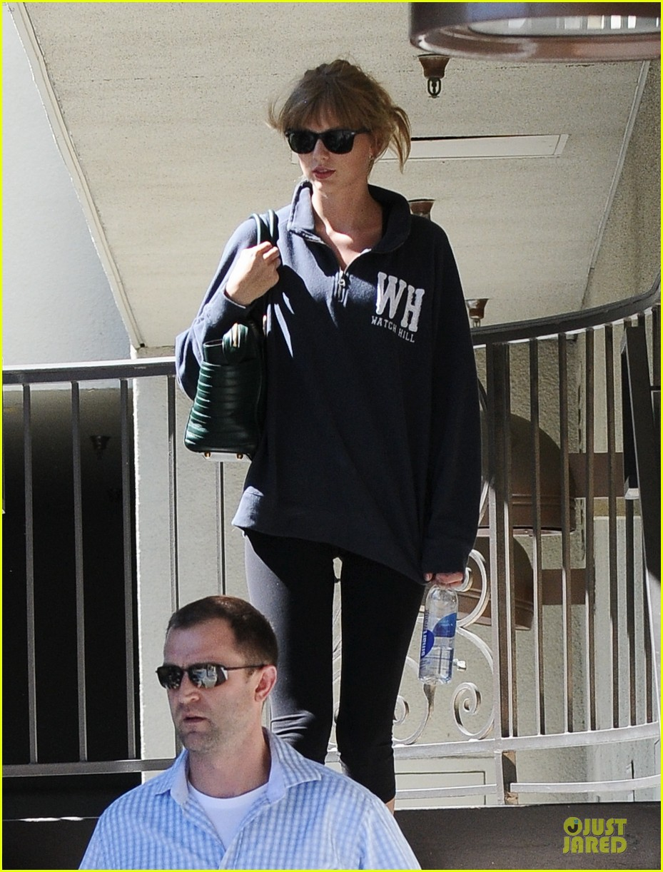 taylor swift steps out for workout after the giver news 04