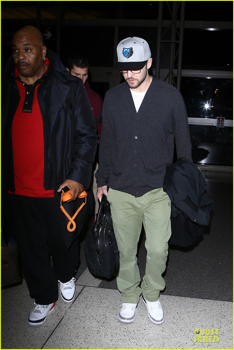 justin timberlake supports memphis grizzlies at lax airport 142961466