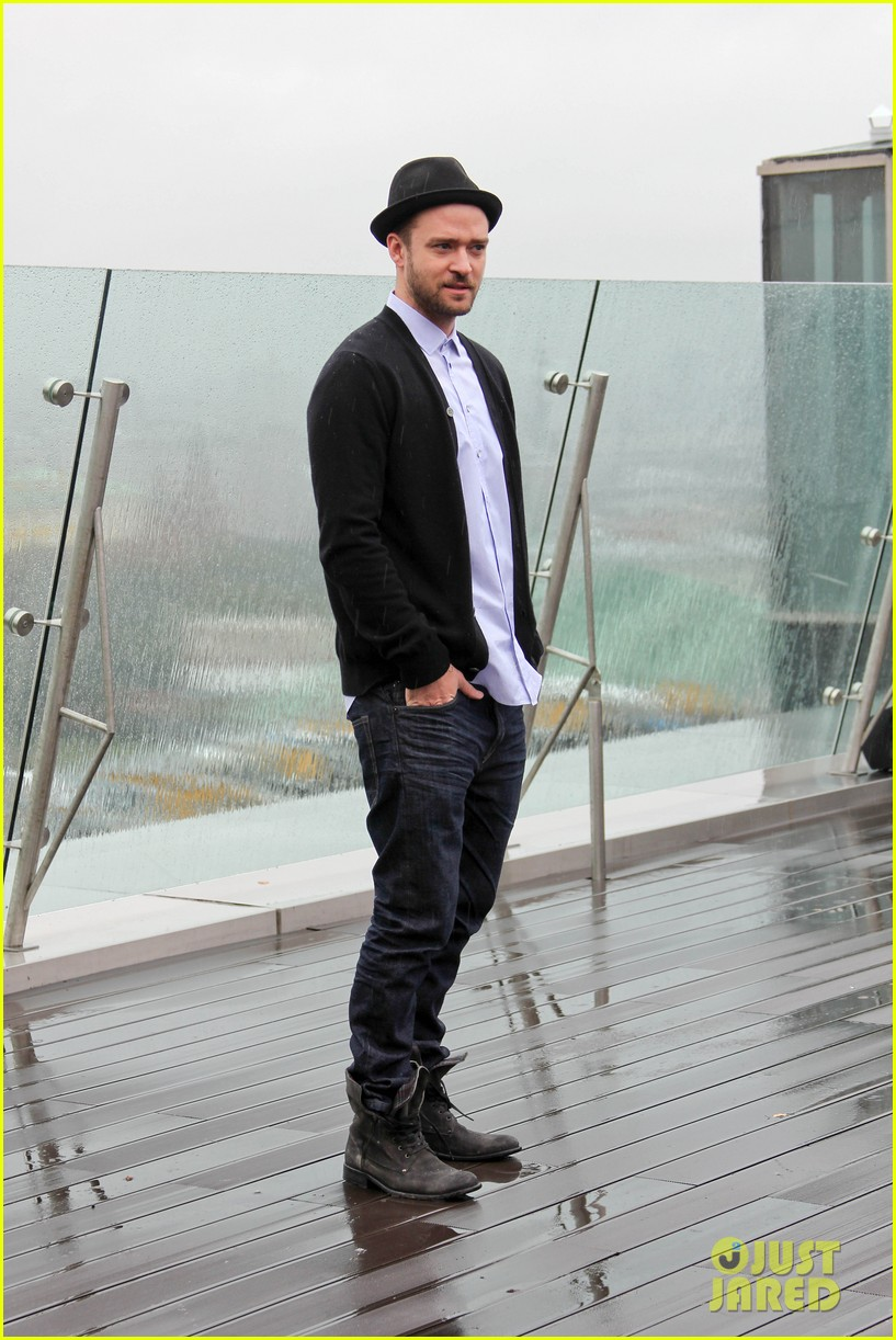justin timberlake runner runner moscow photo call 03