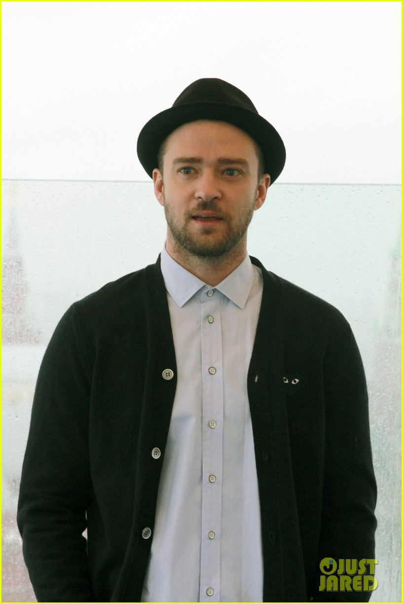 justin timberlake runner runner moscow photo call 102945104