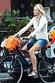 naomi watts family bike all week in new york city 05