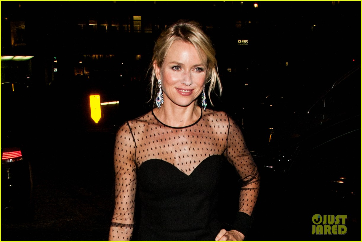 naomi watts switches dresses for diana premiere party 02