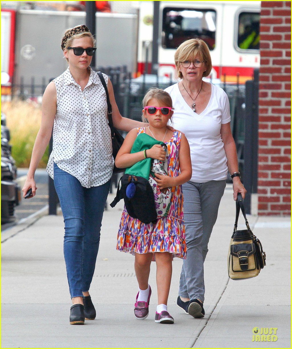 michelle williams goes wild with matilda after birthday 01
