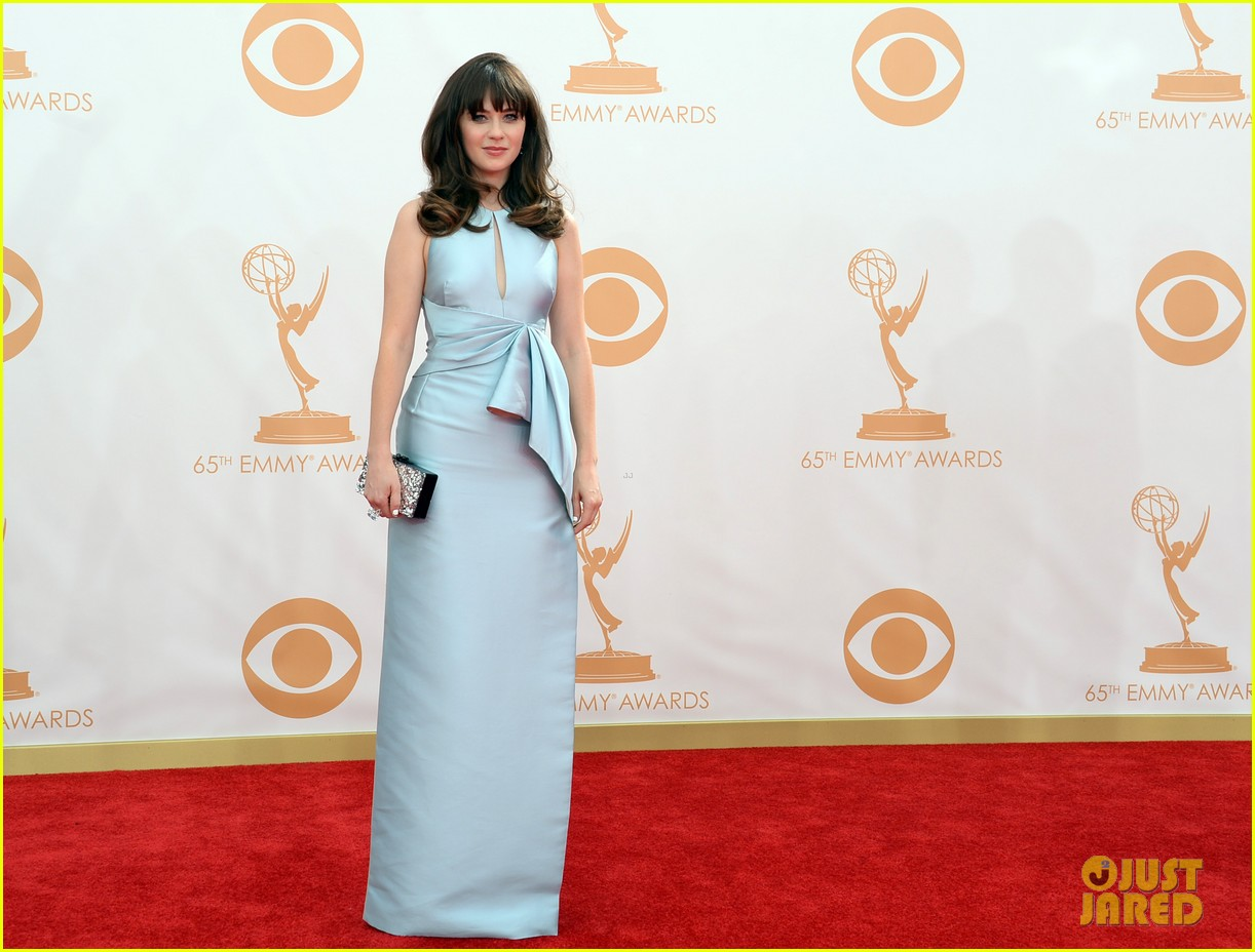 zooey deschanel emmys 2013 red carpet 03