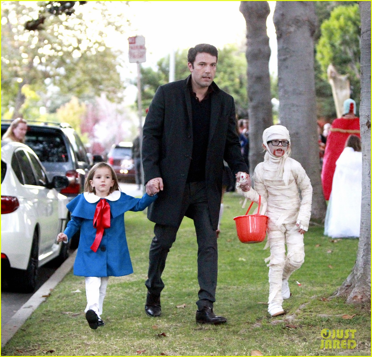 ben affleck jennifer garner halloween trick or treating 09