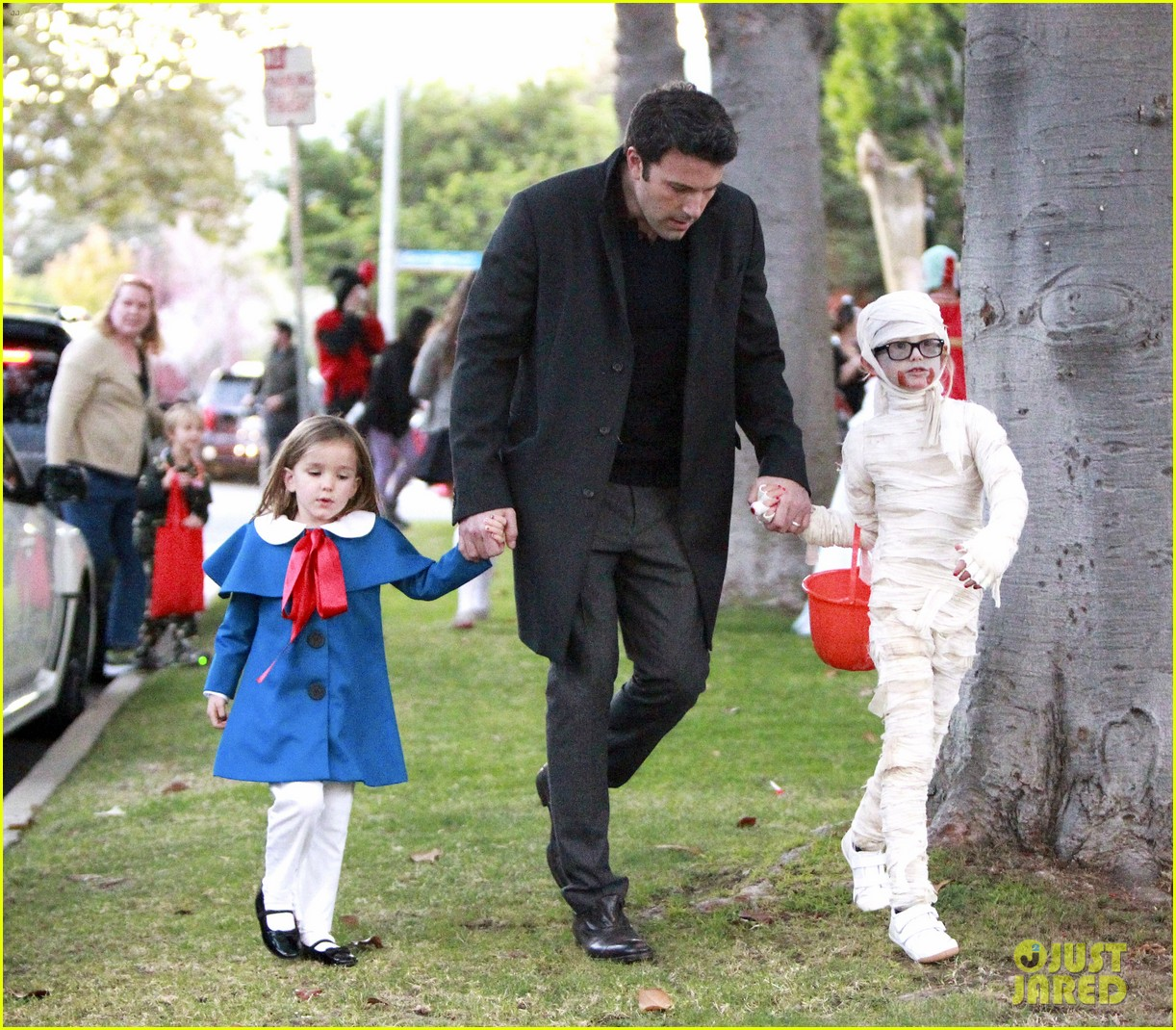 ben affleck jennifer garner halloween trick or treating 17
