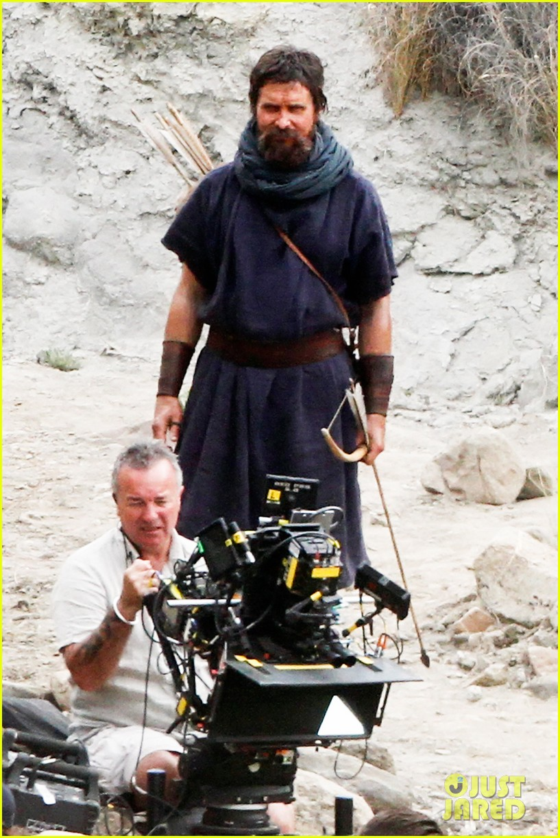 christian bale rocks beard wears tunic for exodus 11