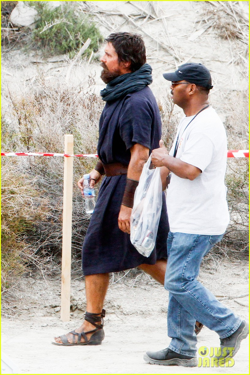 christian bale rocks beard wears tunic for exodus 172977073
