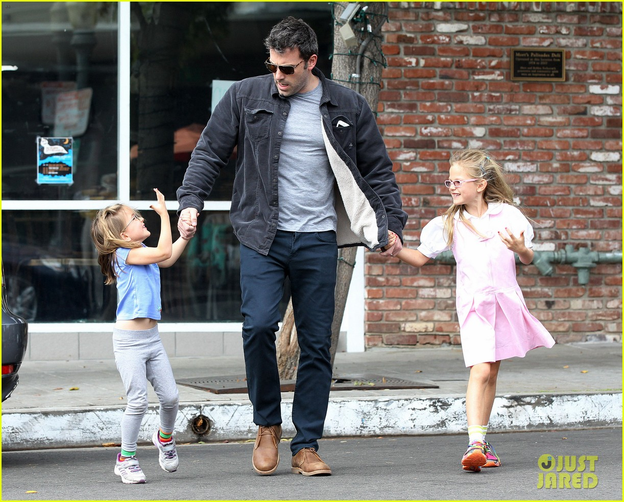 ben affleck not practicing batman voice just yet 092977960
