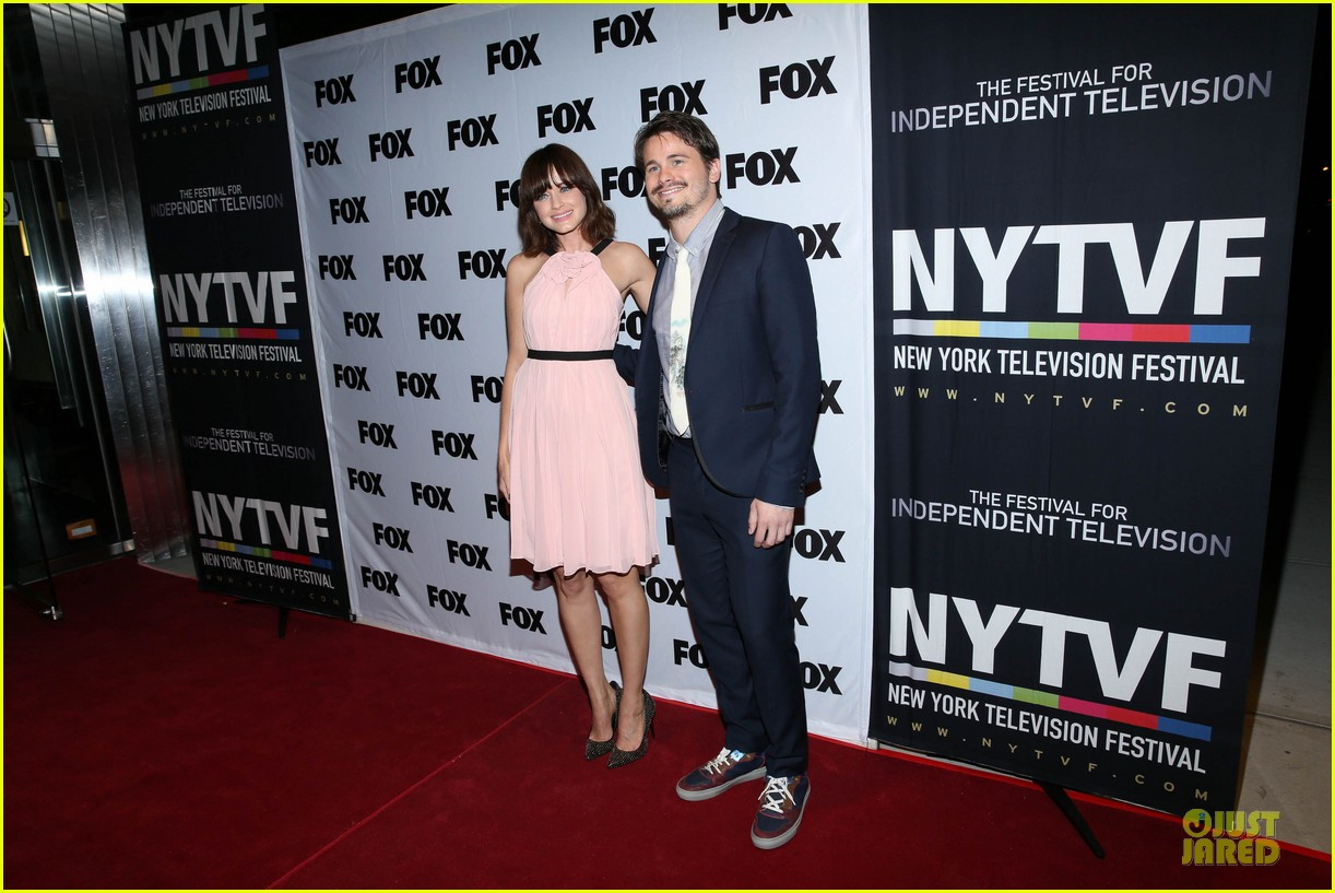 alexis bledel jason ritter us them nyc screening 062977309