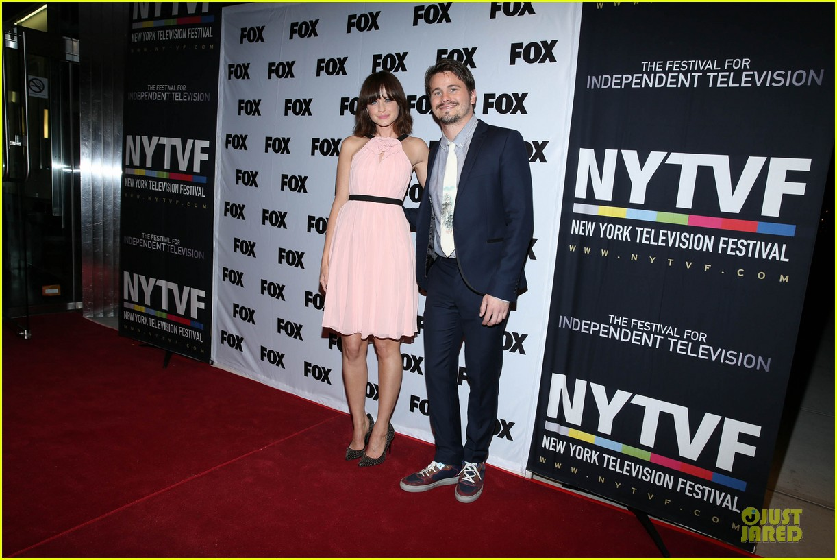 alexis bledel jason ritter us them nyc screening 24