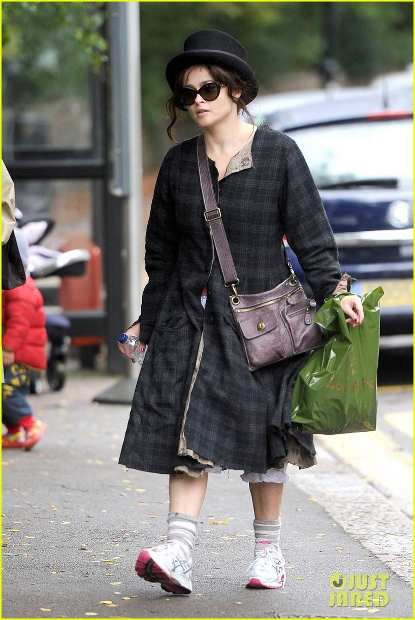 Full Sized Photo of helena bonham carter steps out after tim burton ... Helena Bonham Carter