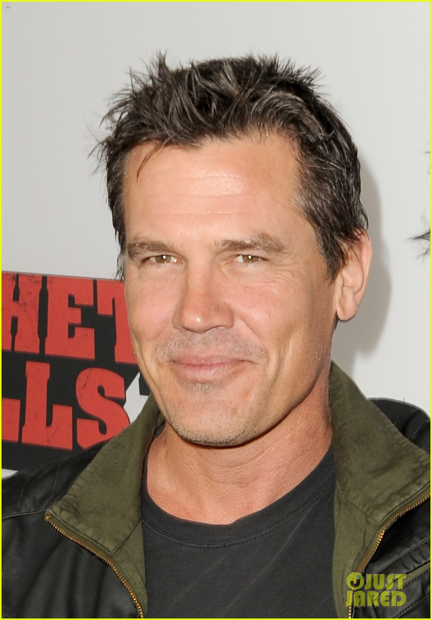 josh brolin works out attends machete kills premiere 07