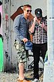 gerard butler camouflages bike ride in nyc 03