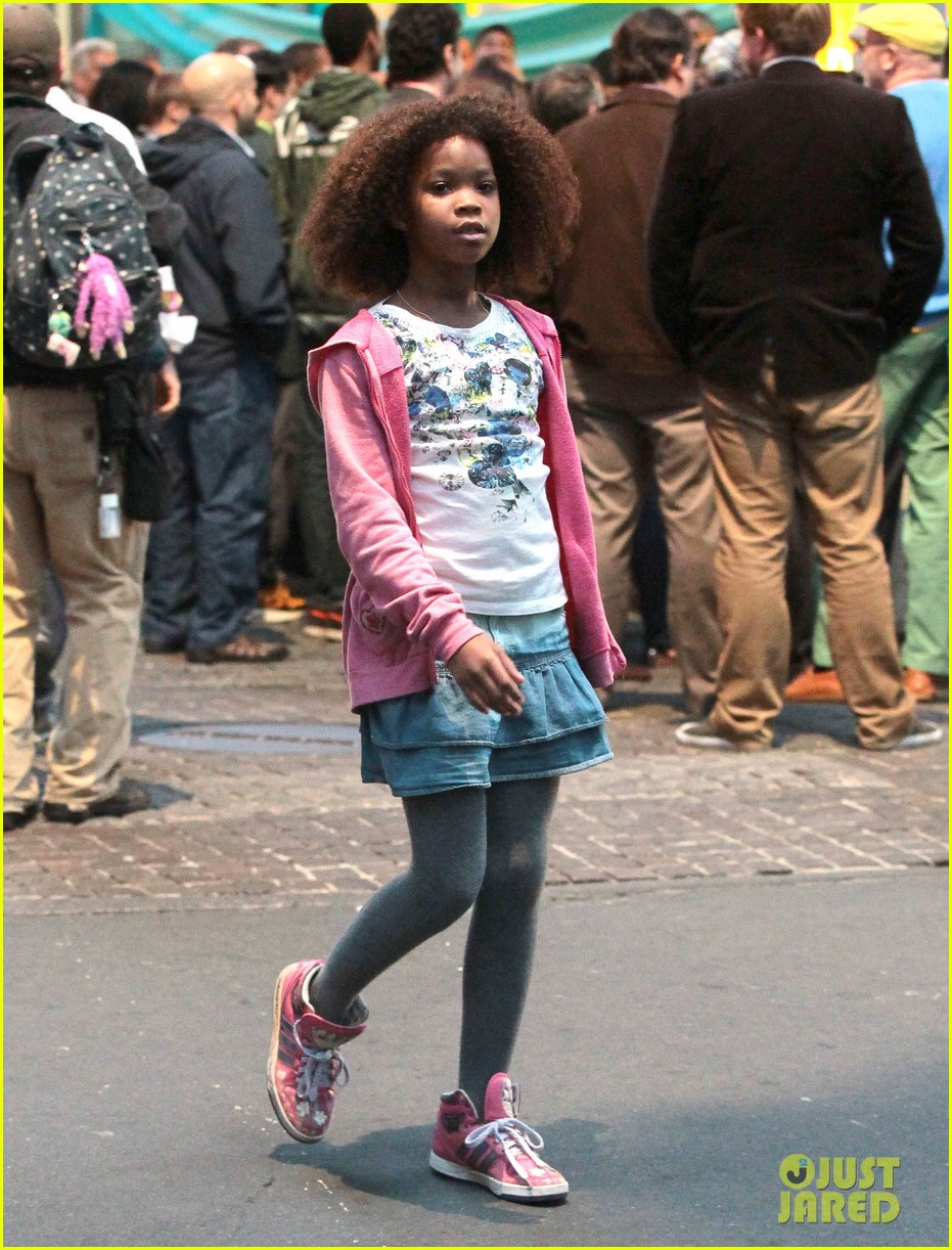 rose byrne quvenzhane wallis film annie before weekend 20