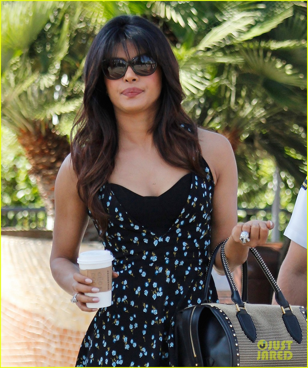 priyanka chopra most dangerous celeb in indian cyberspace 022964977