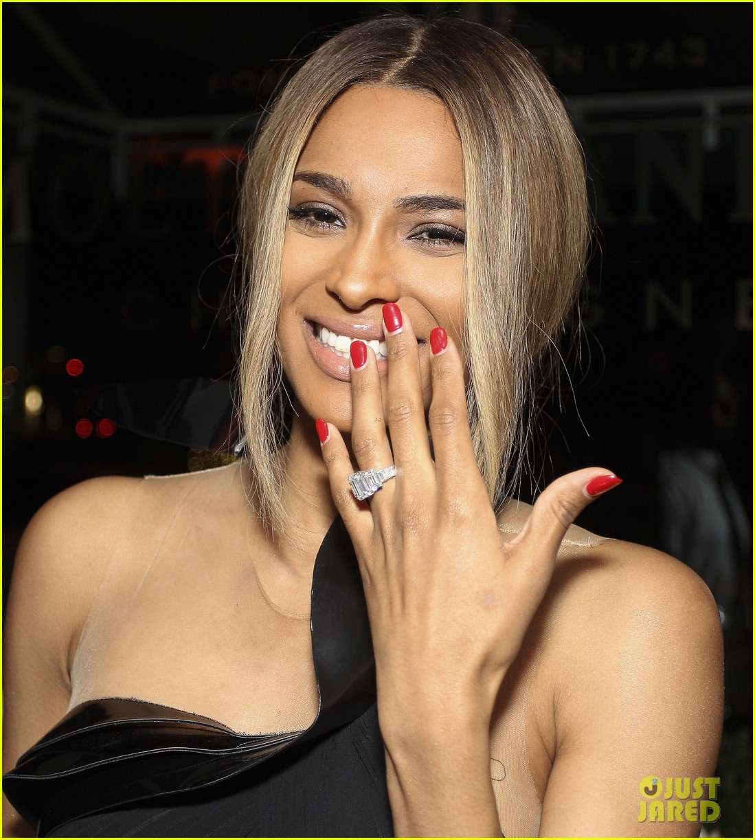 ciara shows off engagement ring at moet rose lounge 09