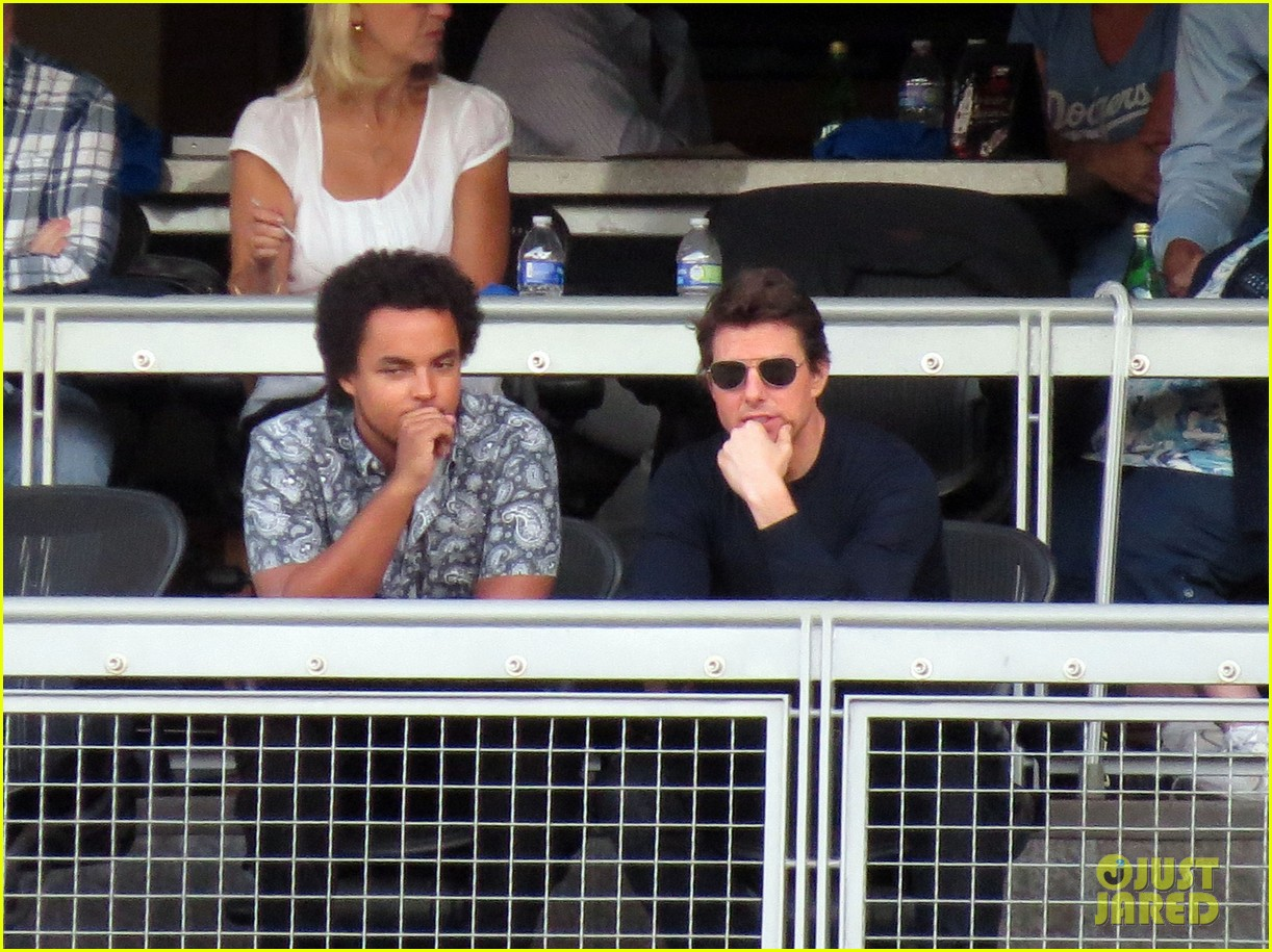 tom cruise dodger game with son connor 032972864