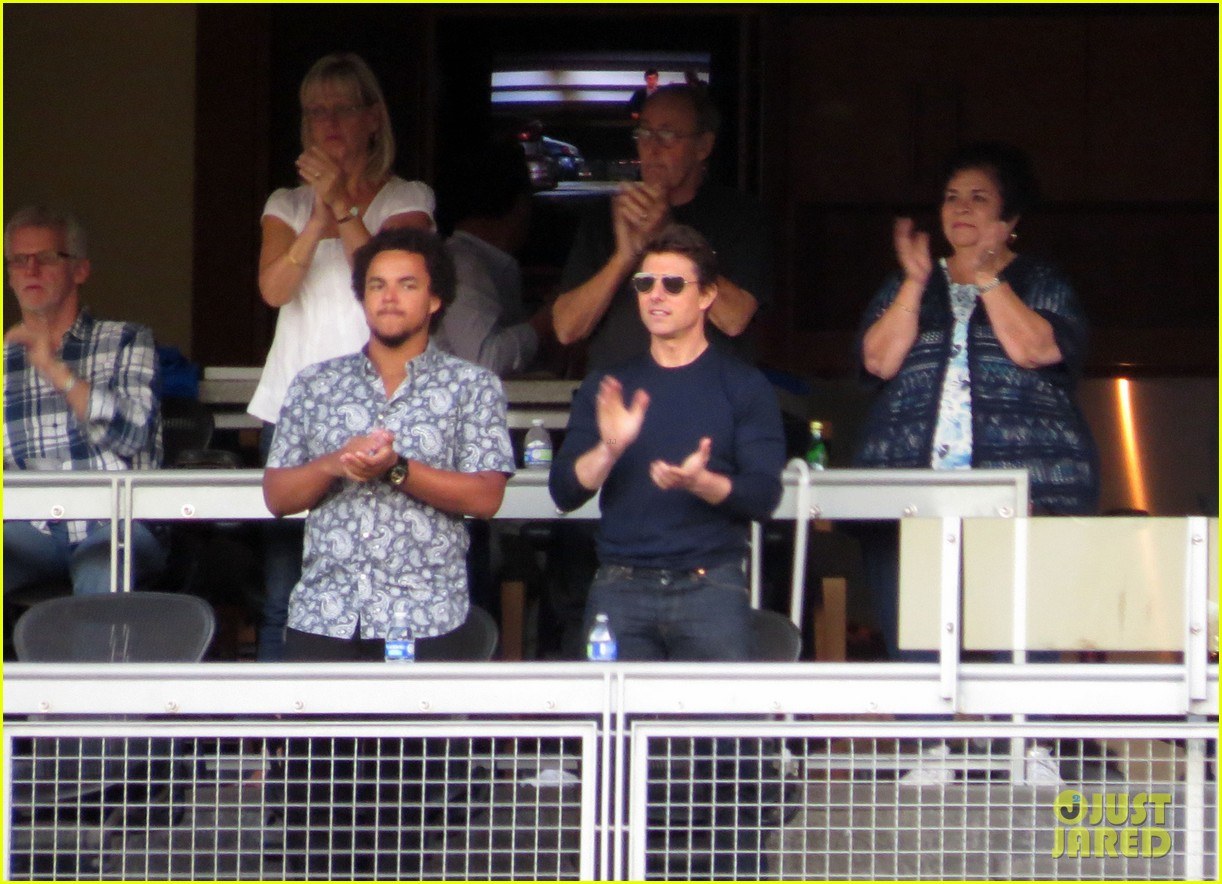 tom cruise dodger game with son connor 05