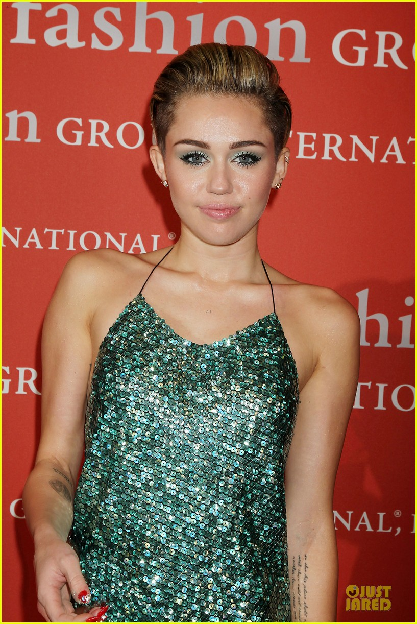 miley cyrus dazzles the night of stars gala 2013 10
