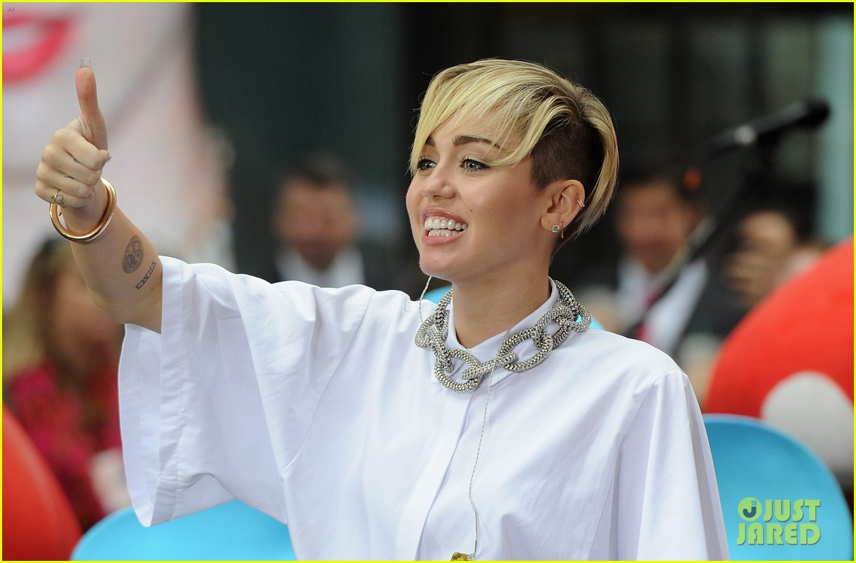 miley cyrus today show performance videos pics 022967750