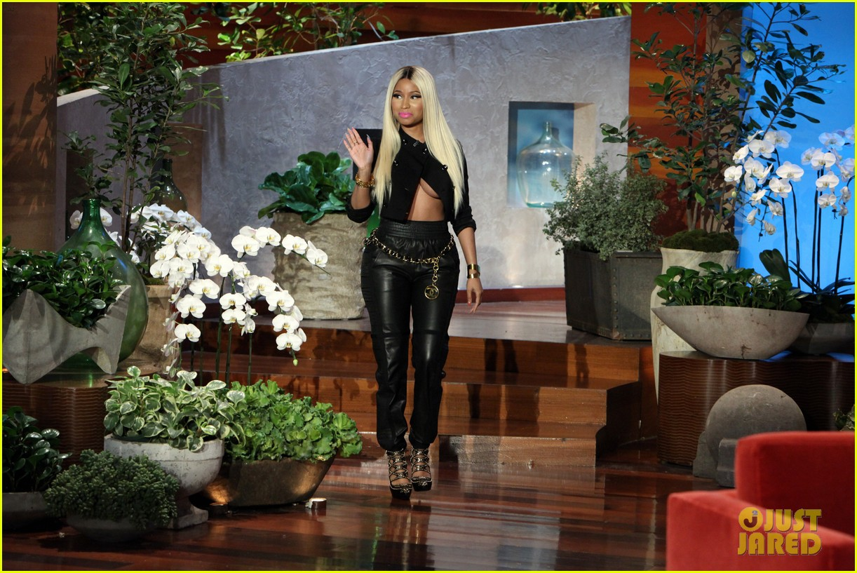 ellen degeneres nicki minaj costume for halloween 2013 04