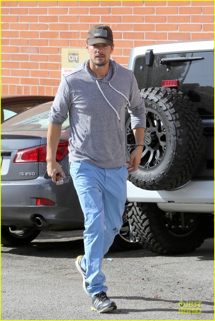 josh duhamel tweets condolences for adrian peterson family 09