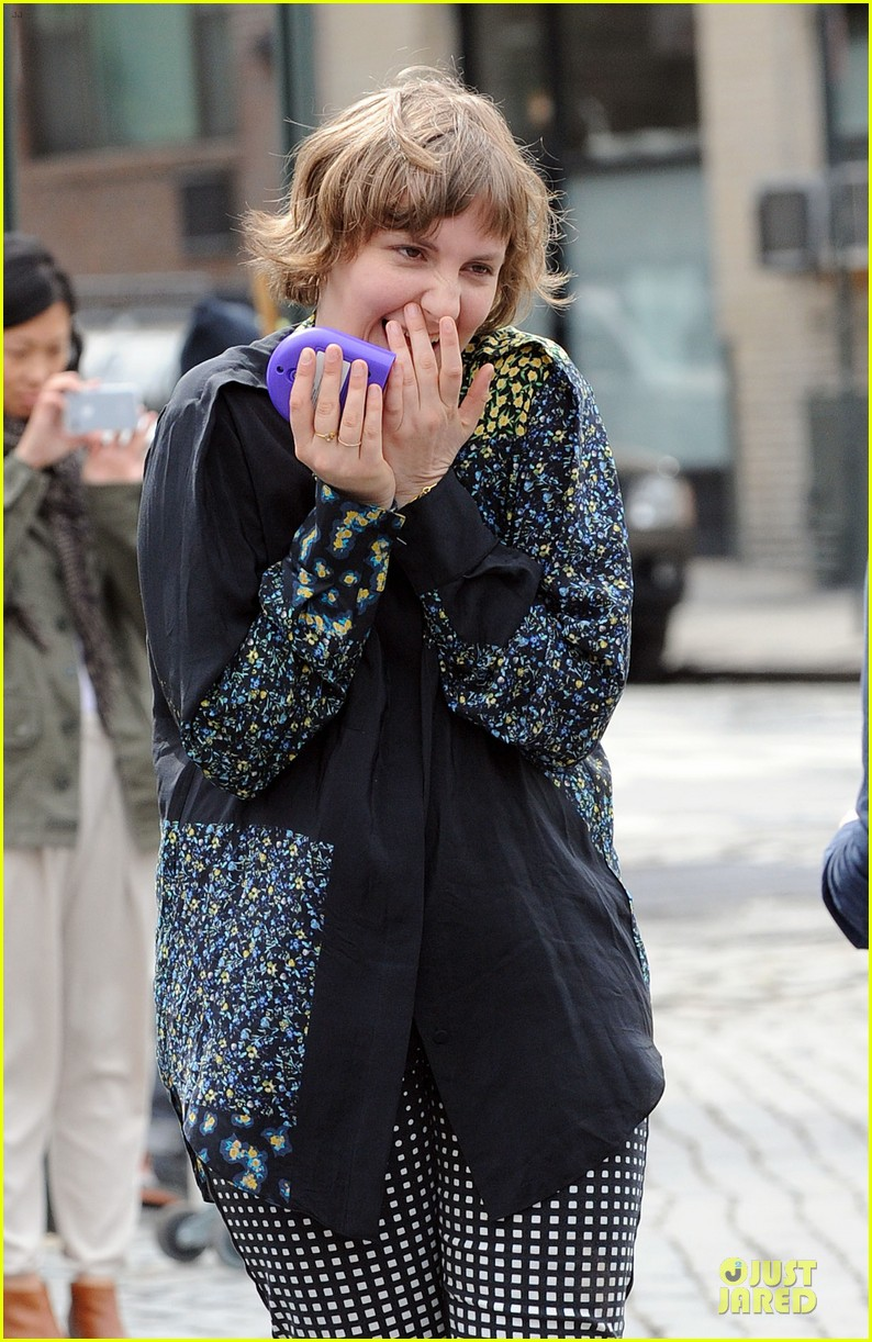 lena dunham milks a cow for billy on the street 18