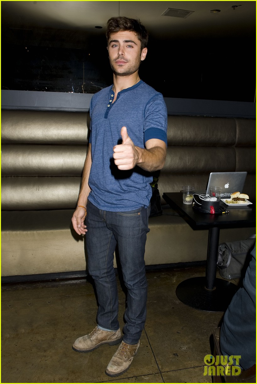 zac efron that awkward moment qa event photos 03