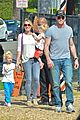 eric dane rebecca gayheart mr bones pumpkin patch visit 01