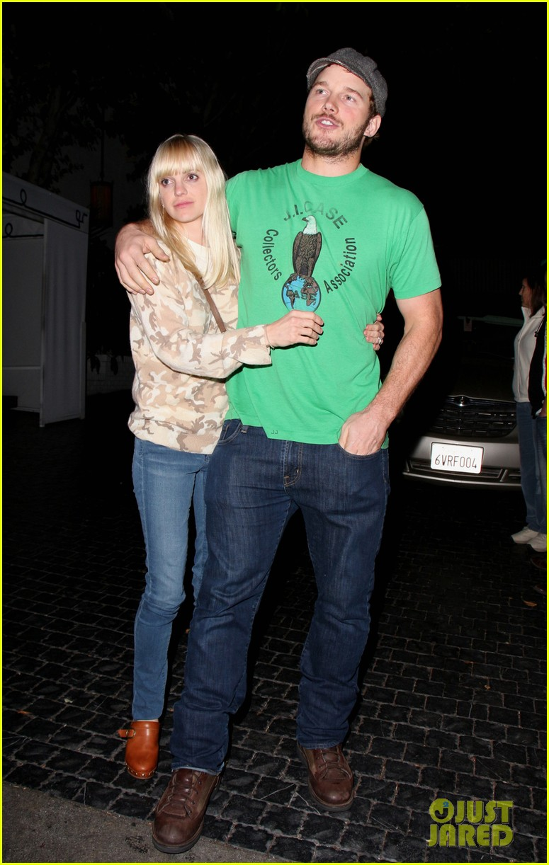 Anna Faris moves on from Chris Pratt with new man