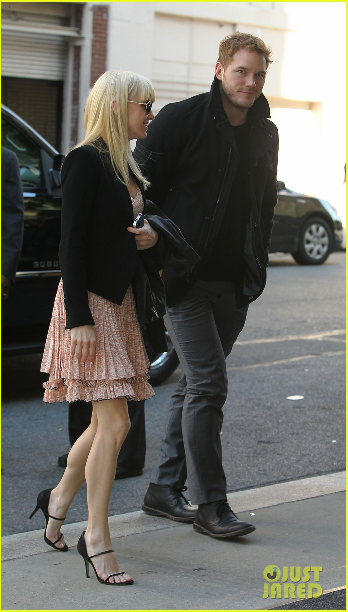 anna faris chris pratt do promo together in new york city 15