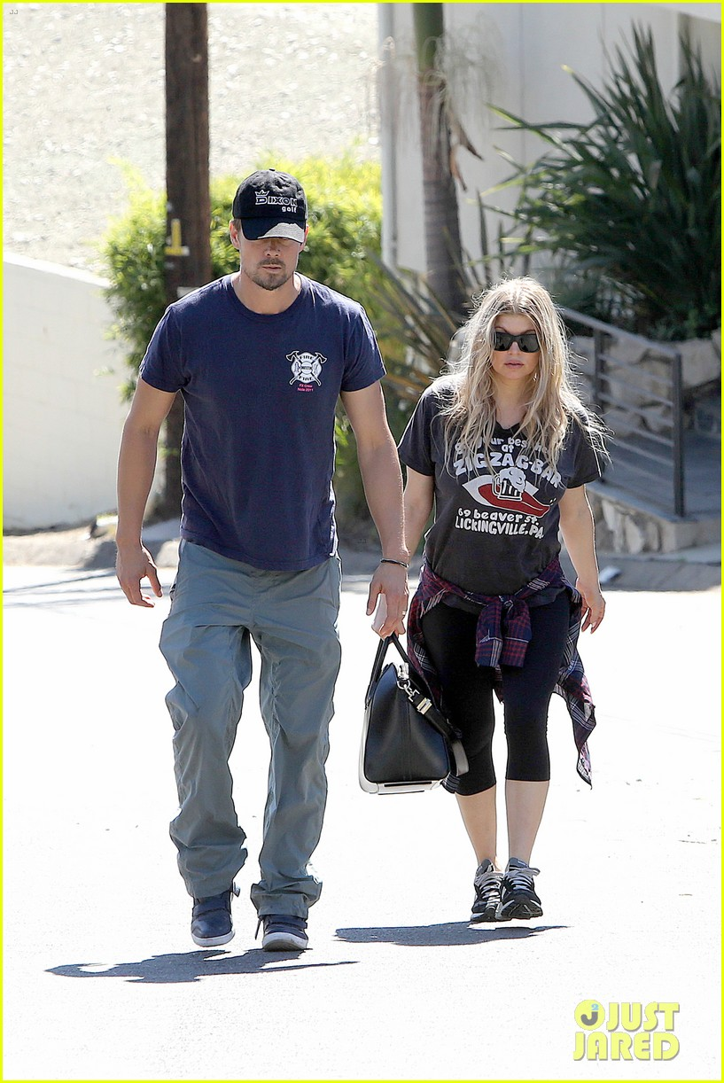 fergie josh duhamel check progress on their new home 142967875