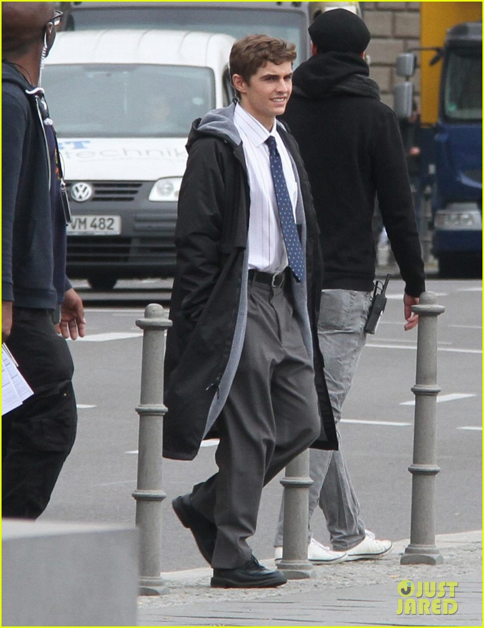 dave franco business trip set with james marsden 05