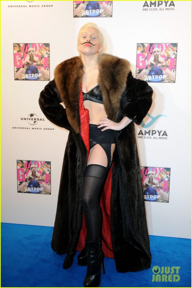 lady gaga artpop listening party in berlin 06