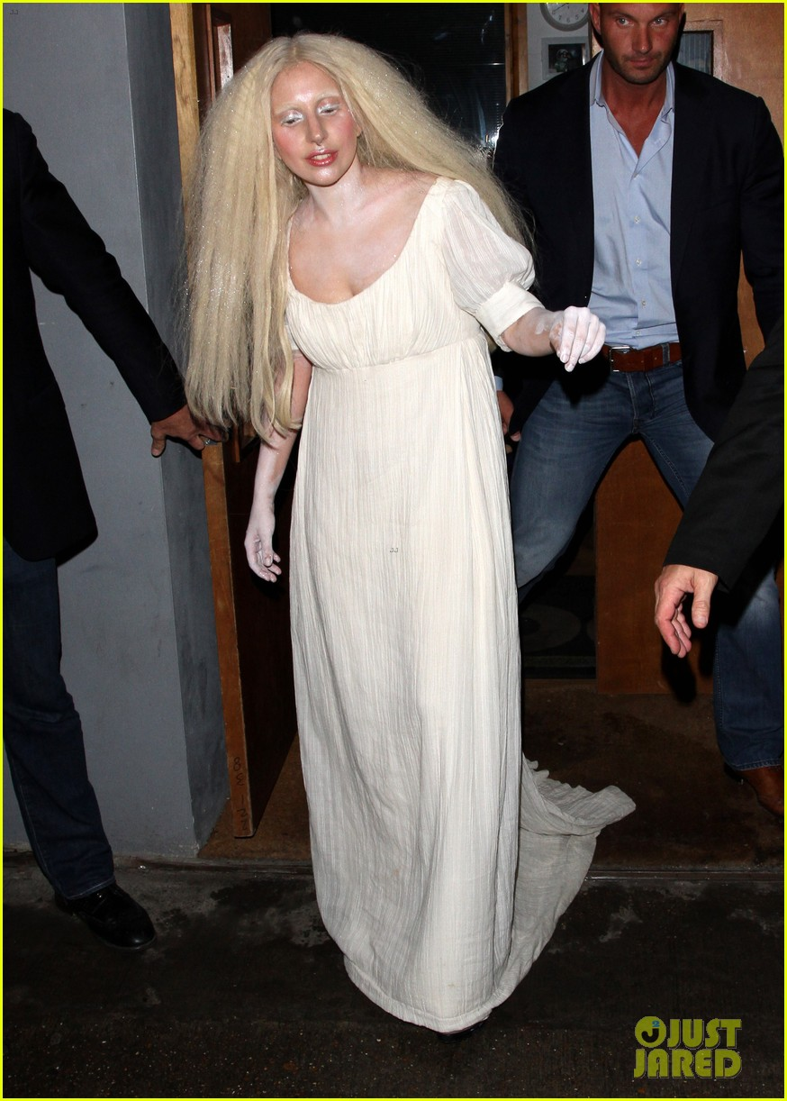 lady gaga white powder body london 042980493