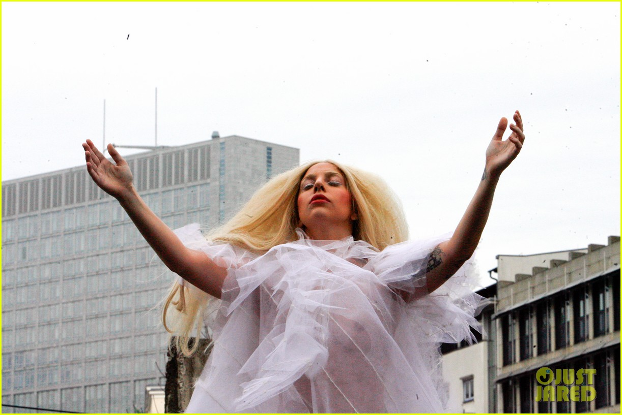 lady gaga naked under sheer cover up at berlin wall 22