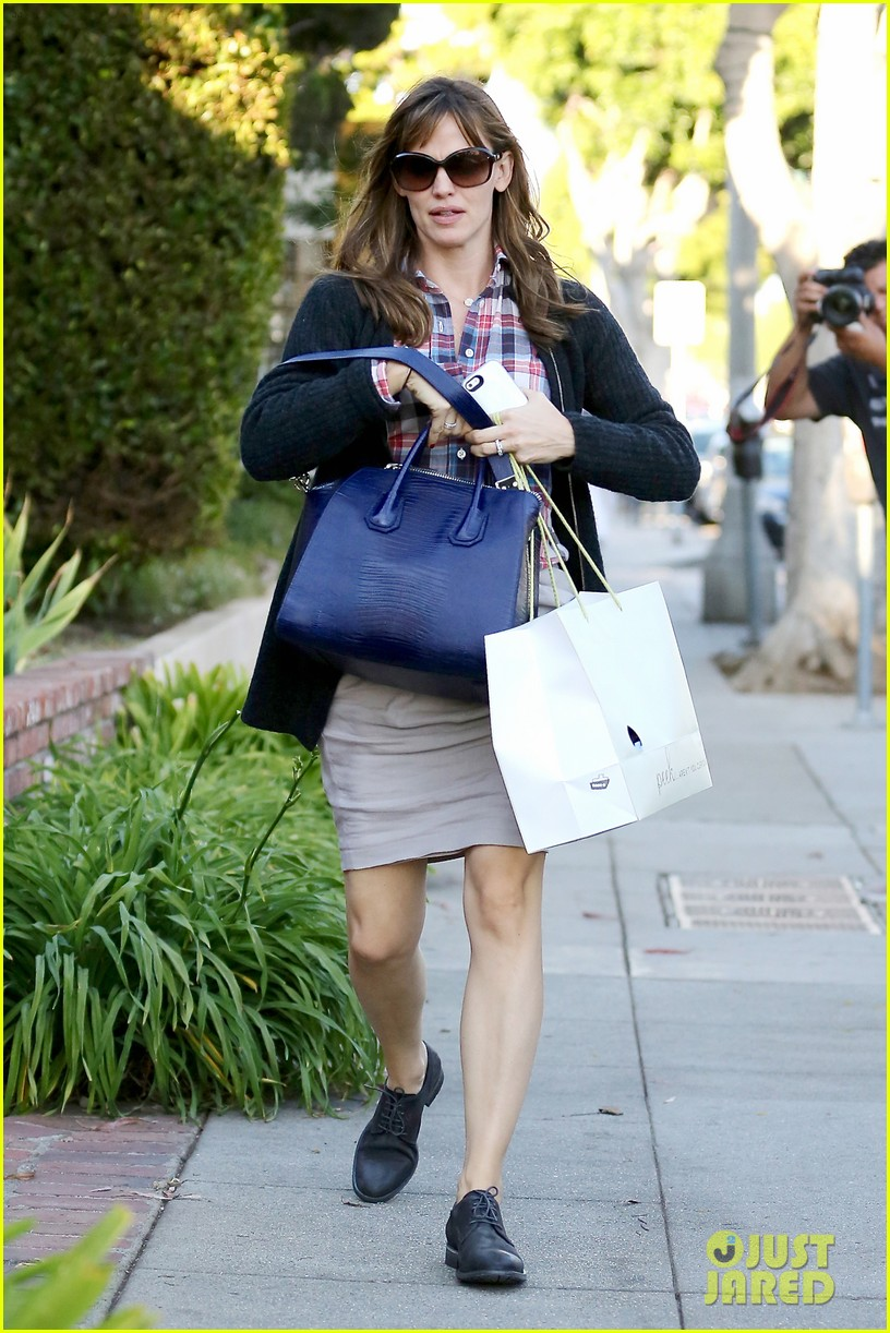 jennifer garner ben affleck gone girl gets release date 042972768