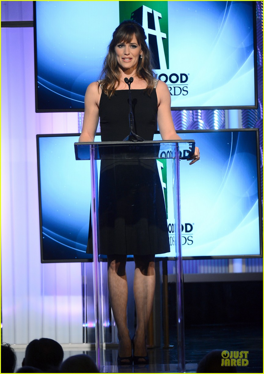 jennifer garner julia roberts hollywood film awards 2013 12
