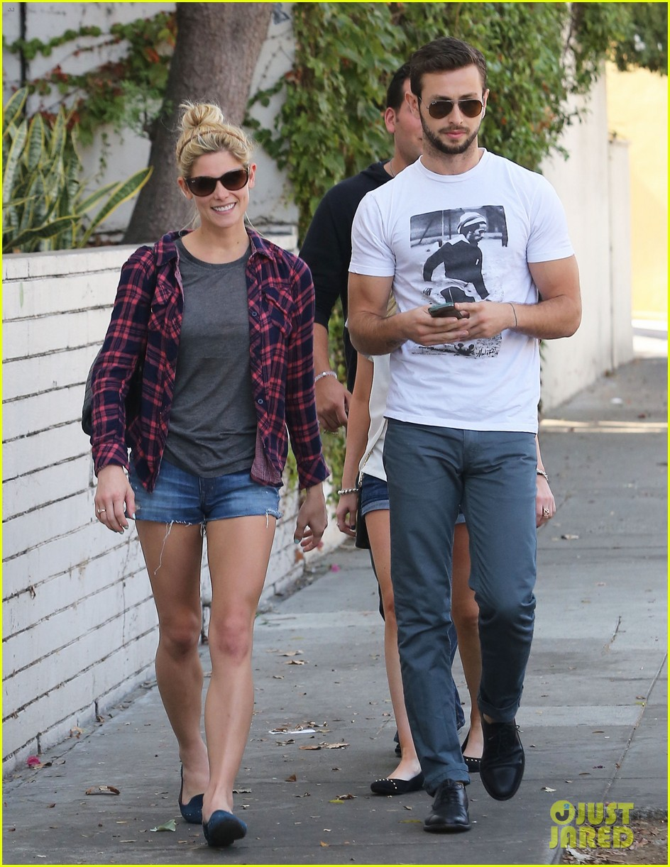 ashley greene paul khoury hang out with friends 01